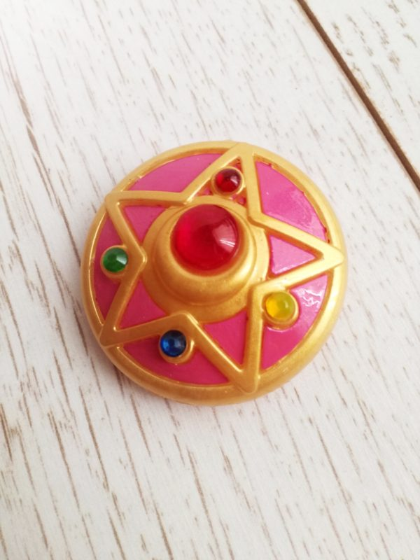 sailor moon star brooch for cosplay