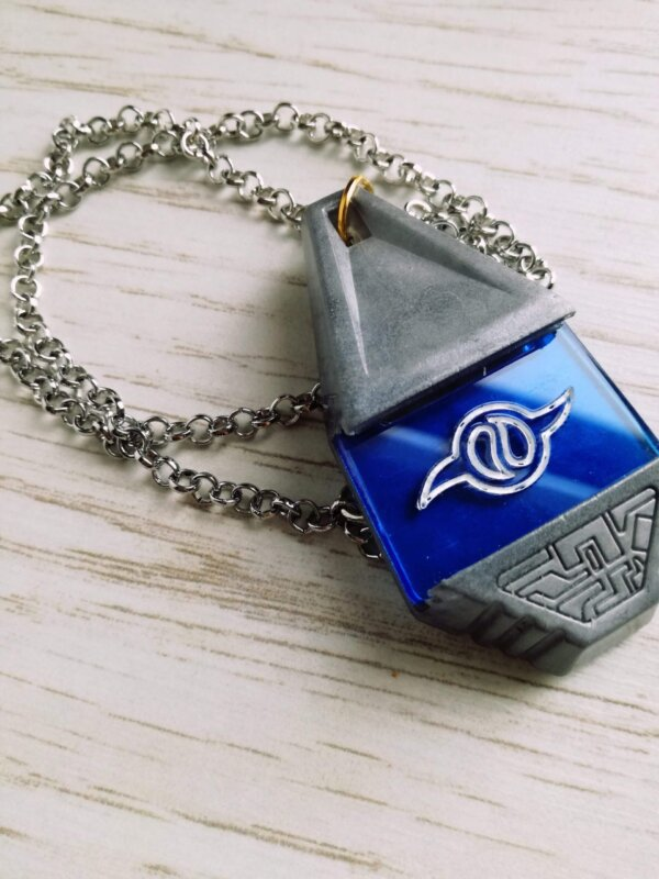 Digimon silver friendship crest and tag