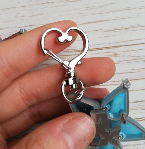 Kingdom Hearts blue wayfinder keychain