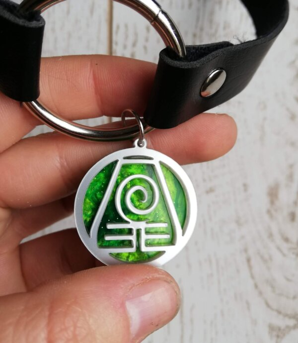 Earth kingdom choker necklace