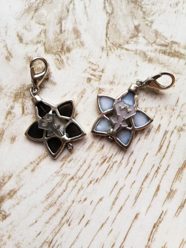 kingdom hearts black and white wayfinder charms