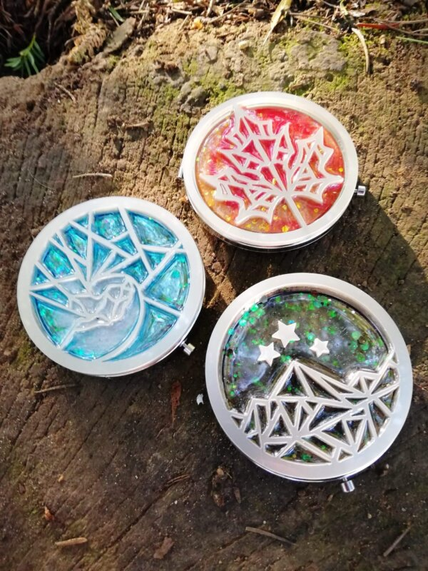 a court of thorns and roses pocket mirrors