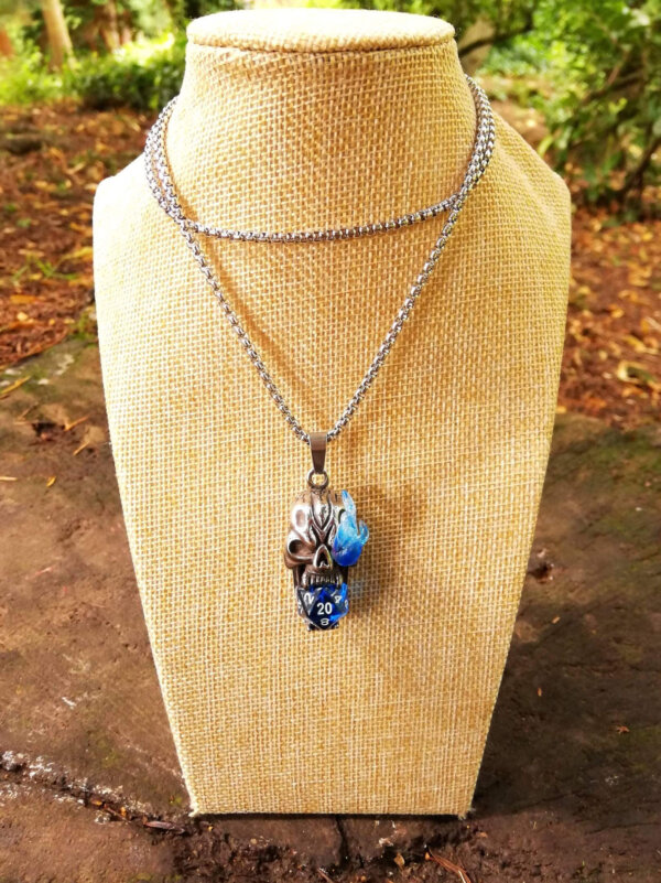 Critical role blue flaming skull pendant, d20 dice necklace