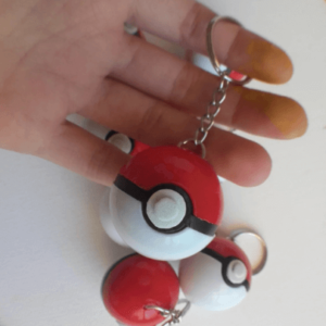 pokemon pokeball keyring