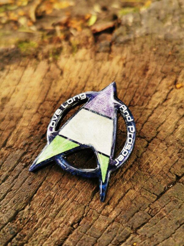Star Trek Genderqueer Pride pin- love long and prosper