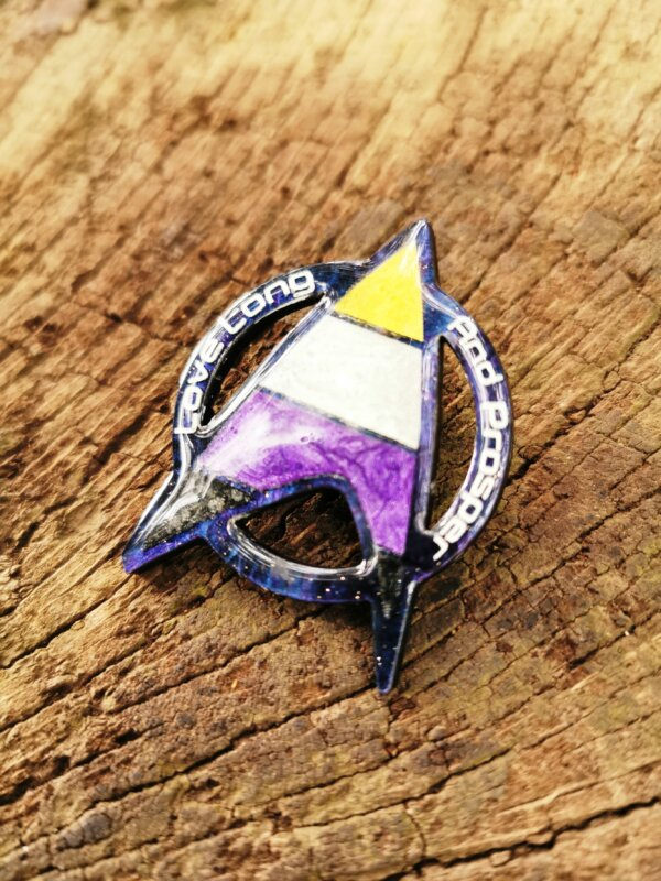 Star Trek Non-Binary Pride pin- love long and prosper