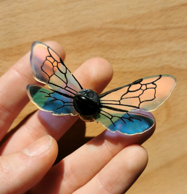 bee wings pin