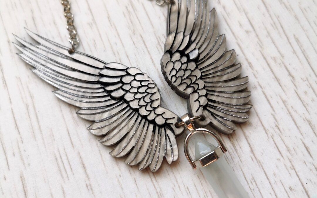 Feathered wings necklace